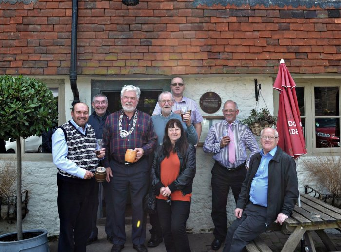 Assembled FOFB's outside the Swan Inn 2014