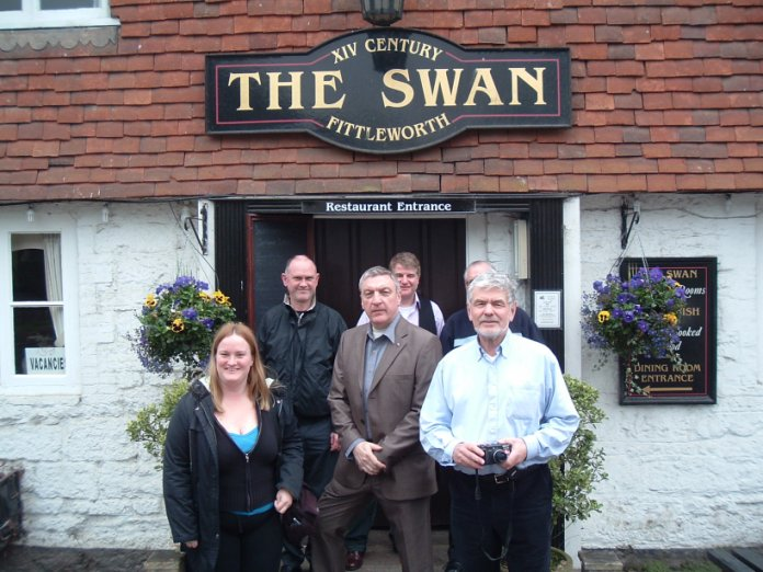 FOFB's outside the Swan 2008
